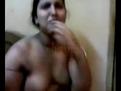desi aunty fucking with lover in front of her maid - XVIDEOS.COM
